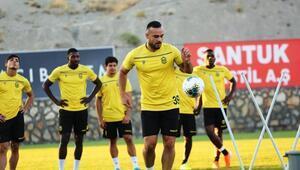 Yeni Malatyasporlu futbolcular tura inanıyor