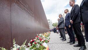 'Utanç Duvarı'na 58'inci yıl anması