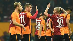 Galatasaray 61 açılış maçının 42sini kazandı
