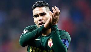 Monaco açıkladı Galatasarayın hedefindeki Falcao kadroda...