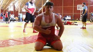 Şampiyonun yükü ağır
