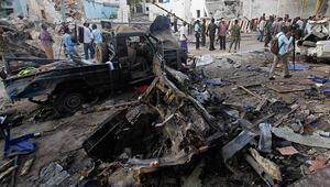 Somali'de askeri üsse bombalı saldırı: 15 ölü