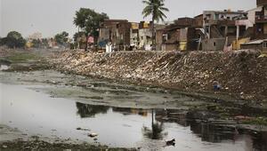 Hindistanda yağışlar nedeniyle 282 kişi hayatını kaybetti