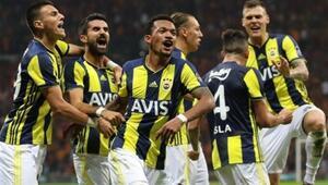 Fenerbahçe, lig tarihinde 2 bin 10 maça çıktı 3 bin 555 gol attı...
