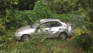 Otomobil, 15 metreden uçtu: 3 yaralı