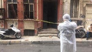 Beyoğlunda metruk bir binada erkek cesedi bulundu