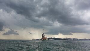 Meteorolojiden kuvvetli yağış uyarısı... Edirne'de yollar göle döndü