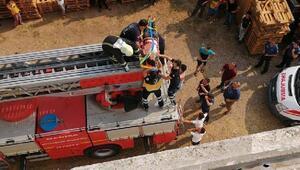 Badana yaparken elektrik akımına kapılarak yaralandı