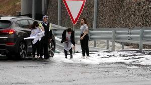 Kocaelide dolu yağdı, TEM yolu kapandı