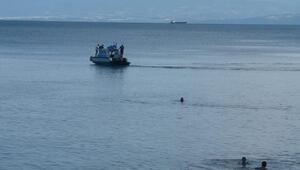 Sinop'ta denizde kopmuş insan bacağı iddiası araştırılıyor
