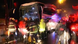 Anadolu Otoyolunda yolcu otobüsü ile tır çarpıştı
