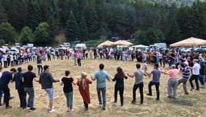 Bursaya göç eden Artvinliler, festivalde bir araya geldi