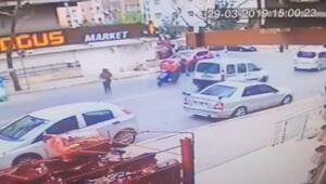 Güngörende motosikletin kadına çarpma anı kamerada