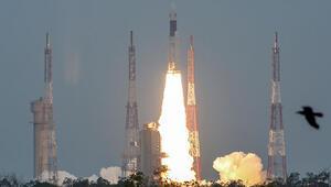 Hindistanın uzay aracı Chandrayaan-2 Ayın yörüngesine girdi