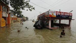 Hindistandaki yağışlar nedeniyle çok sayıda kişi öldü