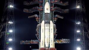 Chandrayaan-2: Hindistanın uzay aracı Ayın yörüngesine girdi