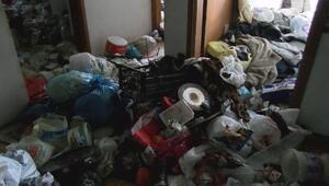 Ataşehirde 2 daireden kilolarca çöp çıktı