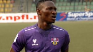 Menemenspor'da Nijeryalı Sikiru imzaladı   Transfer haberleri...