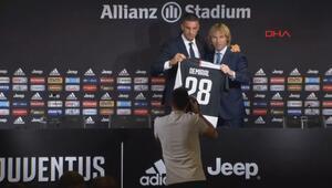 Juventus, Merih Demiral için imza töreni düzenledi
