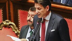 Son dakika... İtalya Başbakanı Conte istifa edeceğini açıkladı