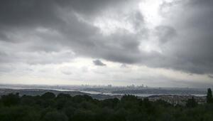 Son dakika: İstanbulda yağış başladı Şehri kara bulutlar sardı...