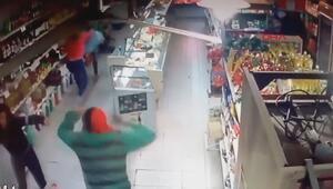 2 kadın market çalışanı soyguncuları pişman etti