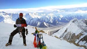 Bisikletle Bişkeke vardı, Tanrı Dağlarındaki buzula tırmandı