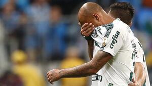 Felipe Melo sahada gözyaşlarını tutamadı