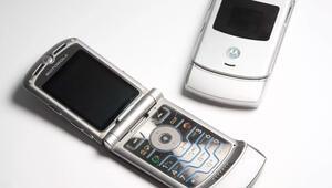 Motorola RAZR yıllar sonra yenileniyor, geri dönüyor
