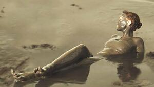Kapadokyada yerli ve yabancı turistlerin çamur banyosu keyfi