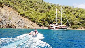 Teknede kalp krizi geçiren turist hayatını kaybetti