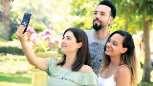 Kadın-erkek 'selfIe' yarışı