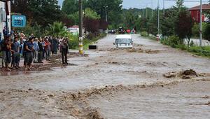 Samsun Valisi uyardı: Irmak çevresinden uzak durun