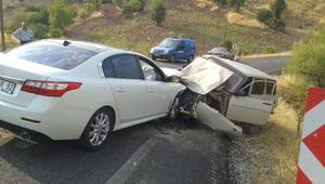 Adıyamanda iki otomobil çarpıştı: 5 yaralı