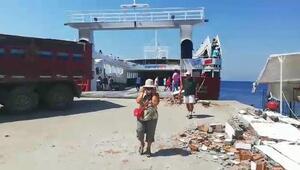 Avşada feribot, limana çarptı: 7 yaralı