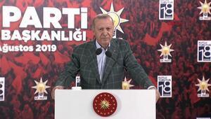 Cumhurbaşkanı Erdoğan, AK Parti Rize İl Başkanlığında partililerle bir araya geldi