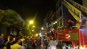 Otelin çatı katında yangın paniğe neden oldu