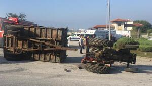 Fındık işçileri taşıyan traktör devrildi: 14 yaralı