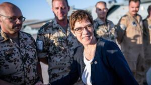 Bakan ısrar ediyor, SPD ve muhalefet istemiyor: Tornado krizine doğru