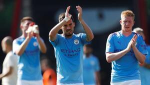 Manchester City 3 puanı 3 golle aldı