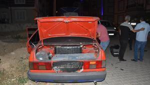 Plakası kapatılan otomobille kaçan hırsızlık şüphelisi kaza yapınca yakalandı
