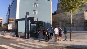 İstanbulda özel okul şoku Veliler kapıya geldi
