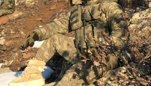 Şehit eşini asker selamıyla uğurladı