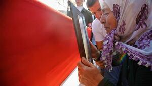 Şehit Piyade Sözleşmeli Er Durdu Oğuzhan Yılmaz son yolculuğuna uğurlandı