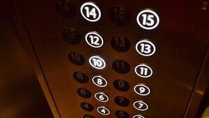 Asansörde iğrenç olay