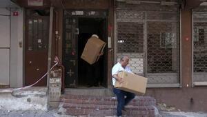Bağcılarda mühürlenen binada oturanlar eşyalarını topluyor