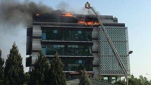 İzmirde çatı yangını
