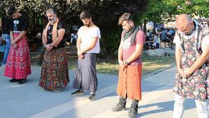 Kadına yönelik şiddeti etek giyerek protesto ettiler