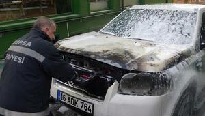 Bursada park halindeki lüks cip alev alev yandı