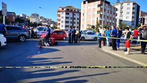 Maltepede minibüsün çarptığı motokurye öldü; kaza anı kamerada
